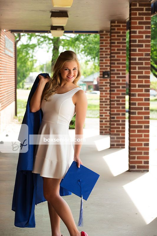 A cute and fun cap and gown image! Ask about our Boomarang Photo shoot!