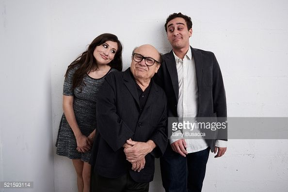 lucy-devito-danny-devito-and-jake-devito-from-curmudgeons-pose-at-the-picture-id521593114 (594×396)