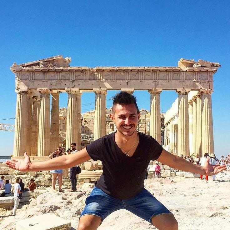 Alla conquista di atene riusciró a sollevarlo? #athens #acropolis #museum #me #top #crazy #boy #hotboy