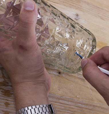 Haz una lámpara con una botella de cristal