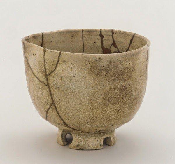 Kintsugi, den japanska konsten av fastställande trasiga keramik med guld