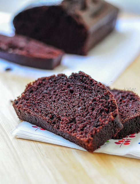 Eggless Chocolate Sponge Loaf Cake (No Butter)~Eggless Chocolate Sponge Loaf Cake~ 1.5 cups all-purpose flour, 1 cup sugar, 3 tbsp cocoa powder, 1/4 cup oil, 1 cup milk, 1 tsp baking soda, 1 tsp vanilla extract, 1 tbsp white vinegar or lemon juice , pinch of salt