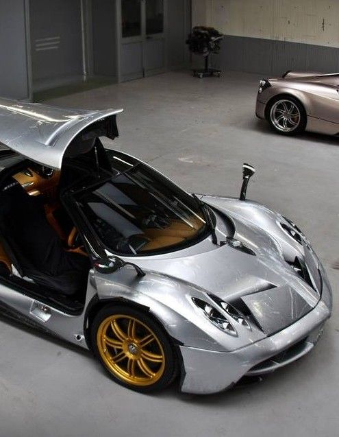 Attractive Pagani Huayra