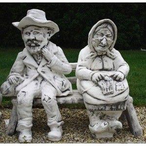 Anyó és apó kerti szobor :)