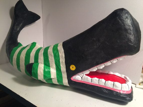 Escultura de papel maché Cachalotte ballena
