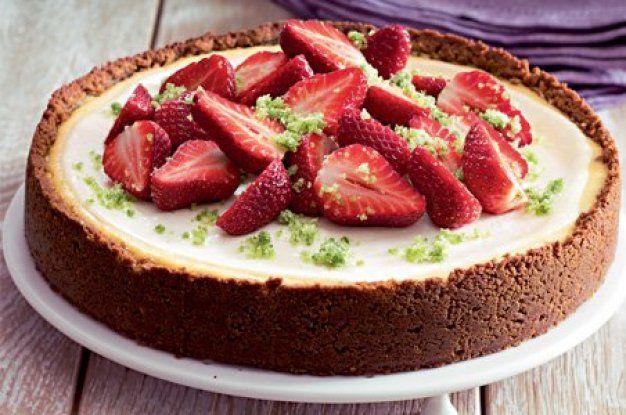 Cheesecake s jahodami a bazalkovým cukrem