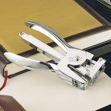 This magnificent hand #stapler is crafted in Spain by #ElCasco, a world famous company born in the 20s as a weapons factory and later specialized in high quality #desk #accessories. Each component of El Casco products is individually numbered. Made entirely of steel, hand-polished and chrome finished. #fountainpen #ballpen #ink #refill #stipula #kaweco  Buy at #penemporium: www.penemporium.com