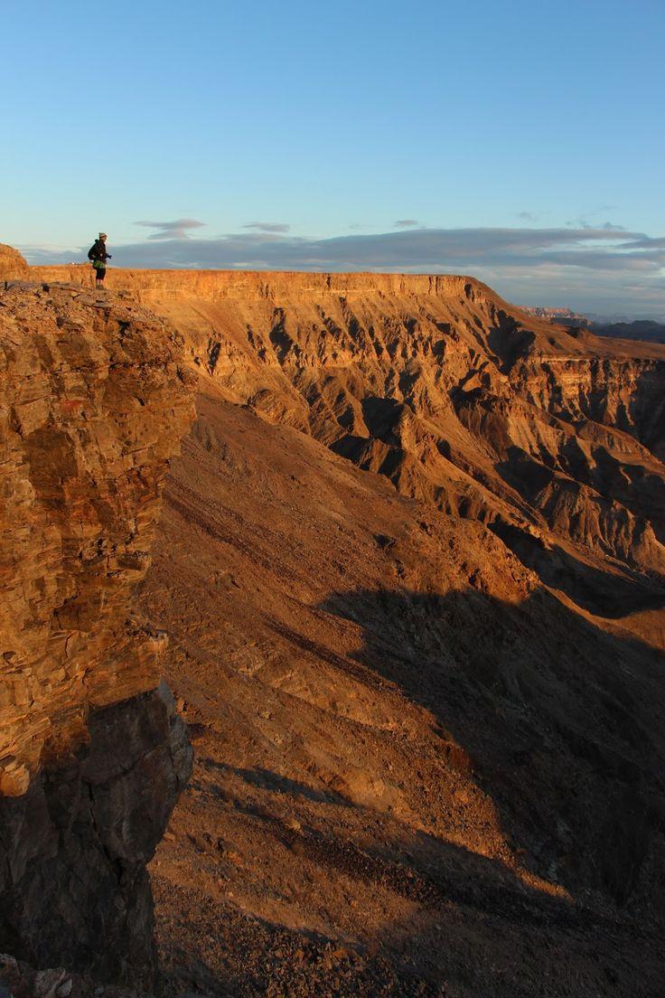 A dimensão de um canyon é um tópico com algo de controverso, uma vez que a sua própria definição por vezes não inclui o caso de um canyon cavado em ambiente em montanha (ou seja rodeados de picos montanhosos), considerando-se que o canyon deve ser esculpido num plateau mais ou menos plano. Os canyons montanhosos …