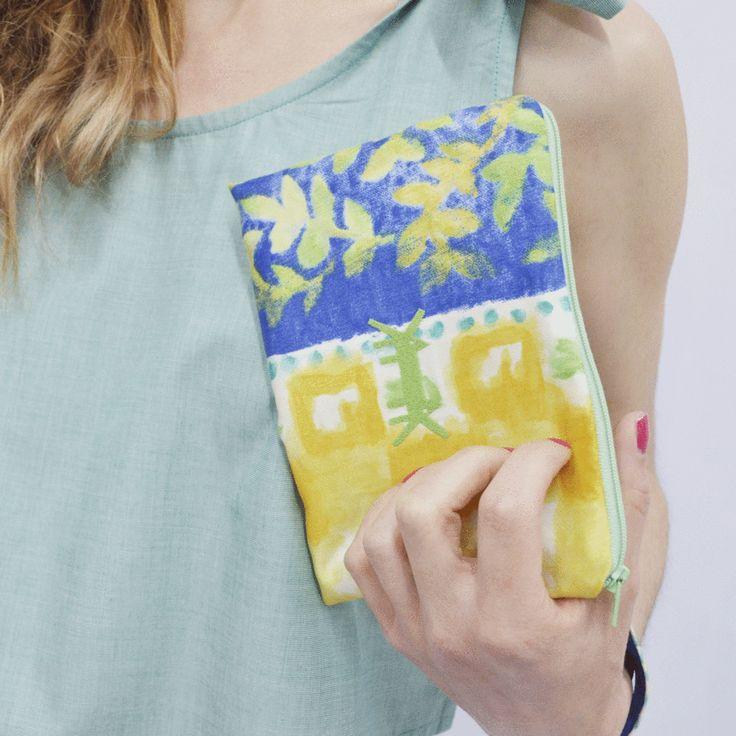Pouch Midi in Lemon-Cobalt Blue Print – Akira Mushi