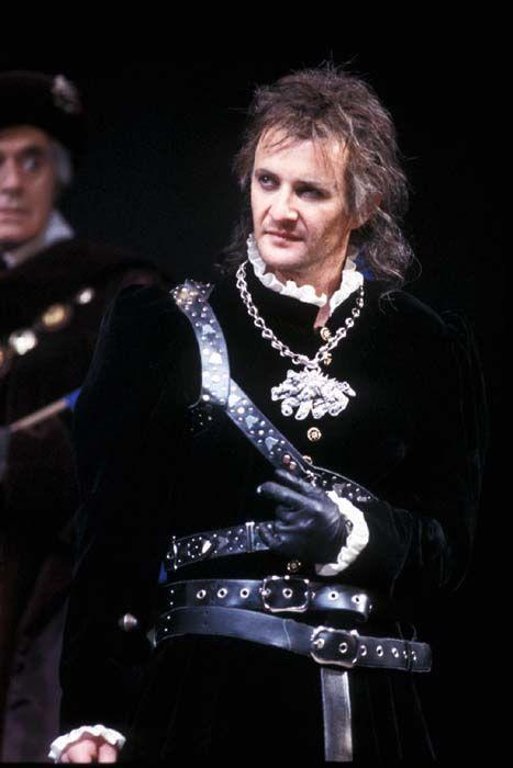 Anton Lesser as Richard III in 'The Plantagenets' RSC