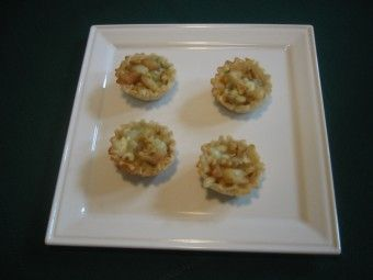 Skinny Baked Brie Phyllo Cups With Craisins And Walnuts Recipe ...