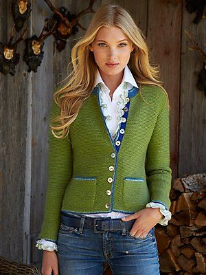 Love the green sweater with denim. #street style