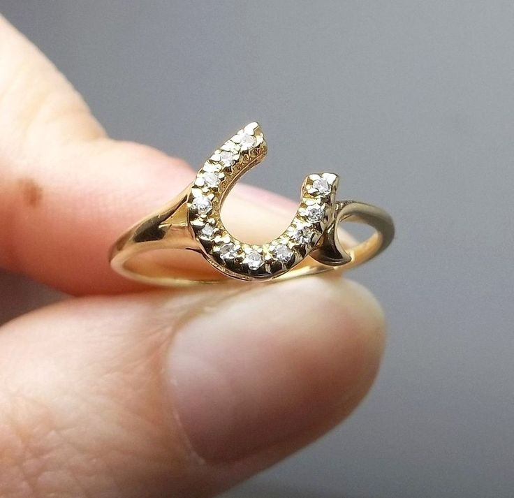 Vintage 14K Solid Gold Ladies Lucky Diamond Horseshoe Ring- Size 7-No Reserve! #Unbranded #Band