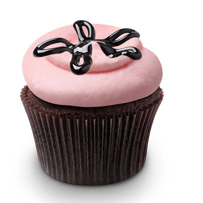 ©Georgetown Cupcake, Katherine Kallinis Berman & Sophie Kallinis LaMontagne, Co-Owners, Georgetown Cupcake & Stars of TLC's DC Cupcakes    Georgetown Cupcake's Strawberry Lava Fudge Cupcakes    Notes    Makes 18 cupcakes