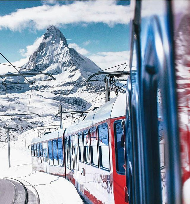 Zermatt, Valais  Photo by @opticchina #zermatt#lucerne#switzerland#swiss#ticino#graubünden#zurich#valais#bern#swiss#lugano#locarno#geneva#zurichlake#zürichcity#zürich#glarus#instagram#beautifulworld#beautifulplace#world#earth#natur#svizzera#swissalps#bern#basel#stgallen#apenzell#schwyz#lausanne#wallis