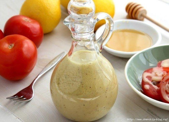 Медово-горчичный соус для салатов.