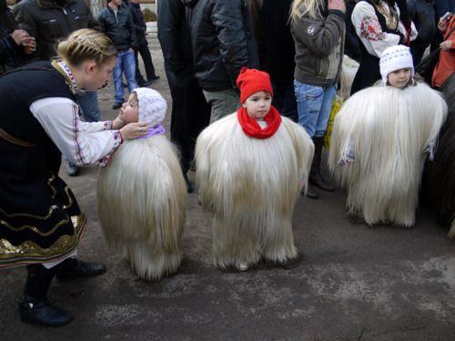 【閲覧注意】ブルガリアのクケリという奇祭の様子がtwitterで話題に!!!! - Togetterまとめ