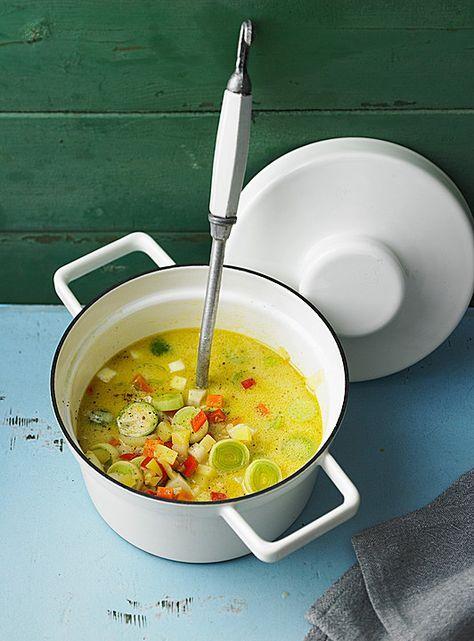 Gemüseeintopf mit Kokosmilch, Kartoffeln, Möhren und Zwiebeln