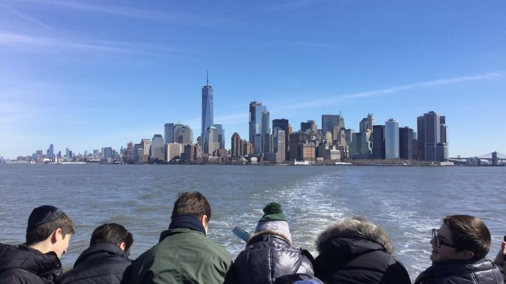 Lower Manhattan as seen from the ferry to Liberty Island [OC] [2048x1536]