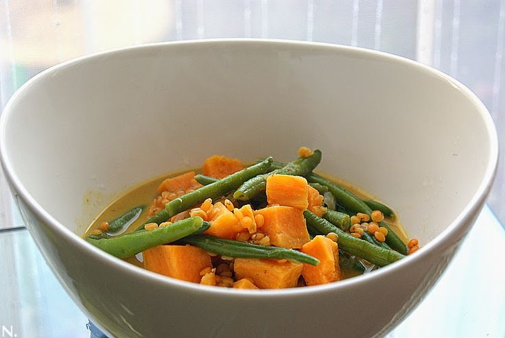 oder aber auch: Veggy-Curry I like! Kochen, backen, kochen, backen... zunehmen. Egal! Endlich wieder vor dem Herd stehen - ich gebe zu, i...