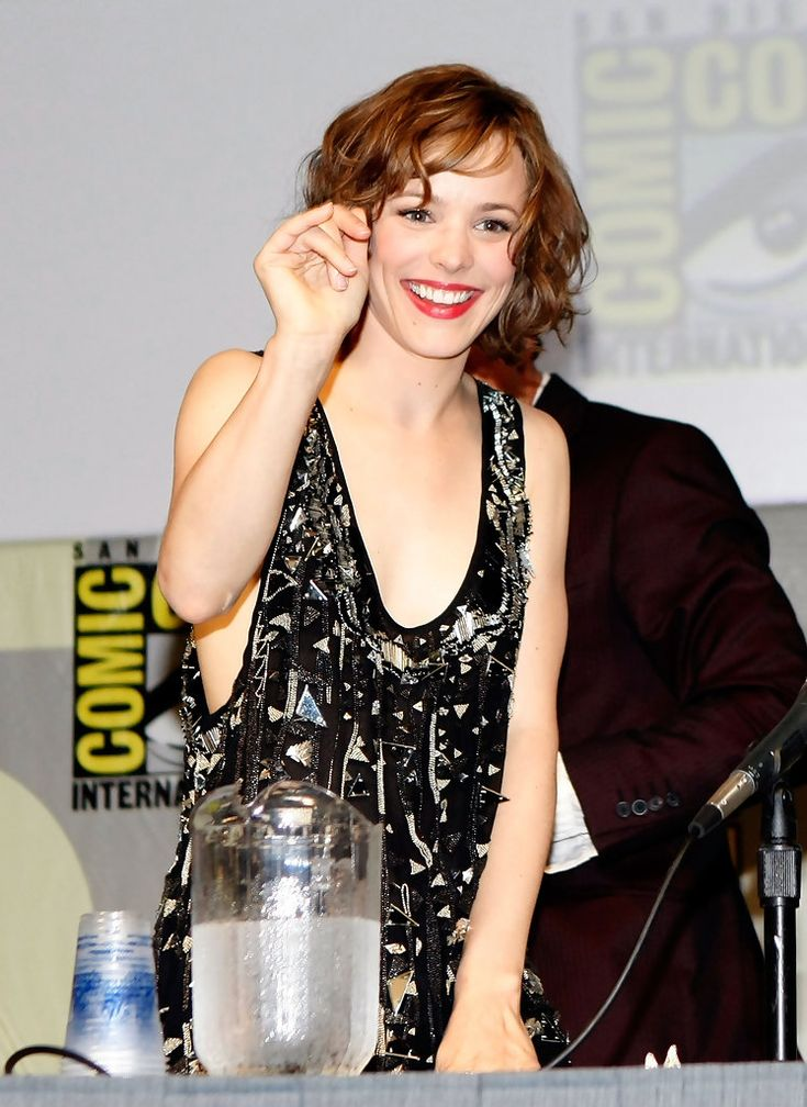 The Talented Rachel McAdams She Played Lisa Reisert In Red Eye Find This Pin And More On Wedding Crashers
