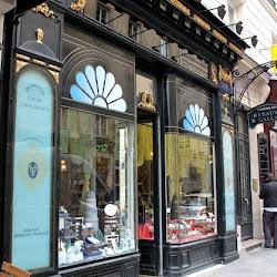 """Il più vecchio negozio di cioccolato """"Debauve et Gallais"""" a Parigi ove Giuseppina acquistava i cioccolatini"""
