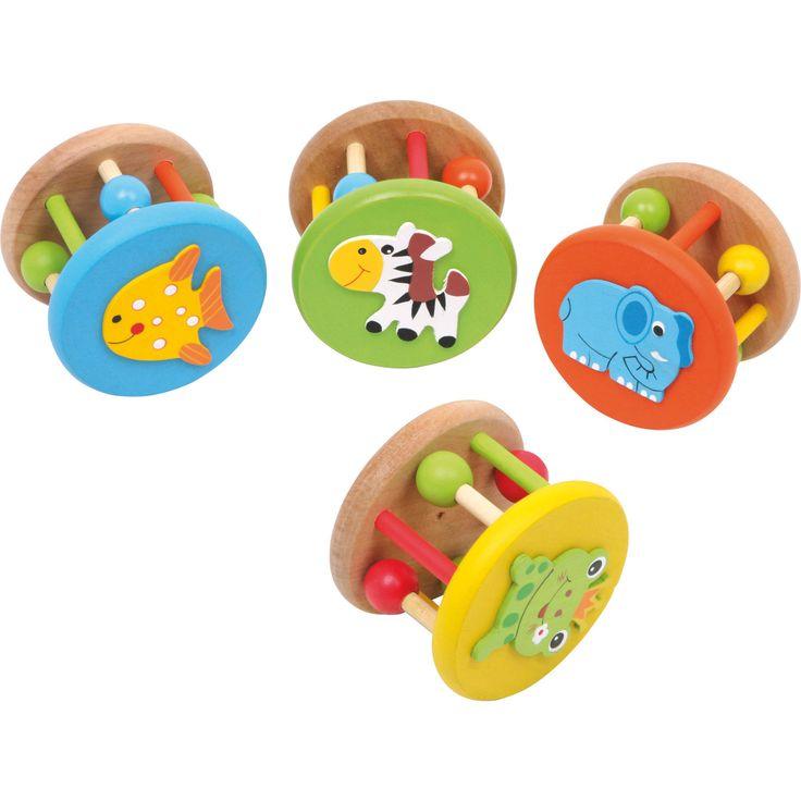 Cu ajutorul acestui set educativ din lemn, cei mici vor descoperi cu usurință lumea sunetelor si a formelor! Aceste jucării zornăitoare sunt ideale pentru a dezvolta deprinderile cognitive cu ajutorul culorilor, a clopotelor mici și a bilelor.