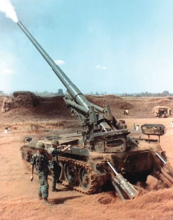 Vietnam War Photo Gallery; a self-propelled 175 mm howitzer. Even without the computer targeting equipment the US miliatry has now for it's big guns, these highly trained US Vietnam vets, could place a 175 mm shell within inches of their target.