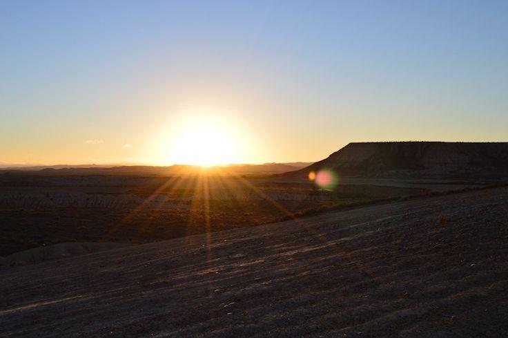 Road-trip / Lever de soleil sur le désert des Bardenas Reales, Navarre, Espagne / Après la flemme blog