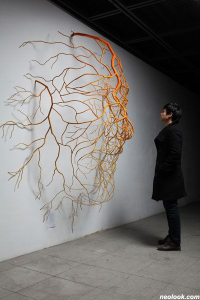 The Way to Happiness II, Root Sculpture by Kim Sun Hyuk. Stainless steel, urethane, acrylic.