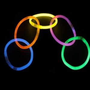 8″ LumiStick Brand Glowsticks Glow Stick Bracelets Mixed Colors (Tube of 100) for just $8.99, down from $29.99!  Use for Trick-or-Treating!