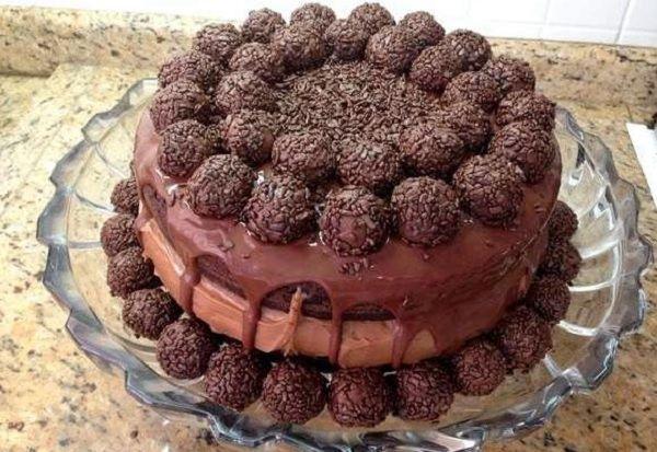 Naked Cake de Doce de Leite com Brigadeiro