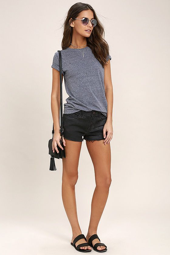 The Off-Road Washed Black Cutoff Denim Shorts are ready for all of your upcoming adventures! Stretchy washed black jean shorts have belt loops, a branded top button (with hidden zip fly), five-pocket cut, and short cutoff hems.