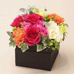 洗練された雰囲気のスタイリッシュなボックスフラワー。【母の日届け専用】生花 レクラン・ド・ビジュー