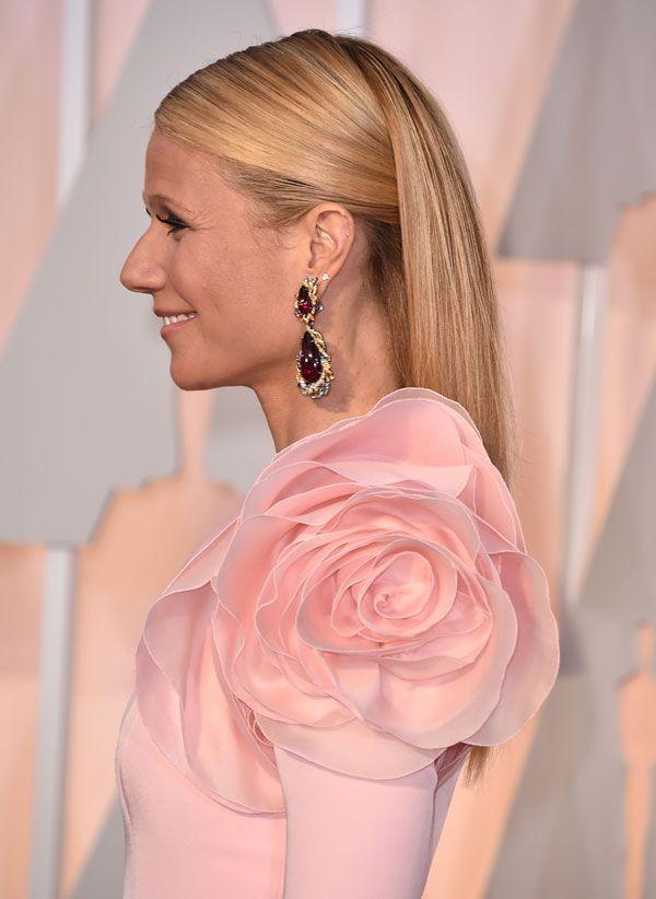 La actriz Gwyneth Paltrow deslumbró con este recogido, que escondía parte de su melena en la zona de la nuca.