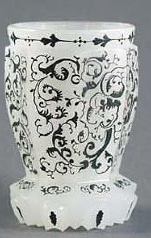 Pohár – alabastr Čechy, polovina 19. století.