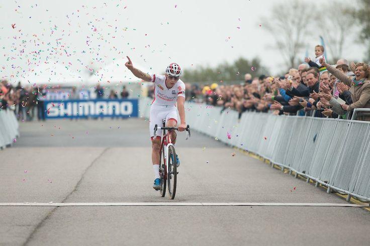 Mathieu van der Poel, l'étoile montante du cyclisme mondial  https://todaycycling.com/mathieu-van-der-poel-cyclisme-mondial/  #Beobank-Corendon, #Cyclisme, #Cyclo-Cross, #MathieuVanDerPoel, #Star