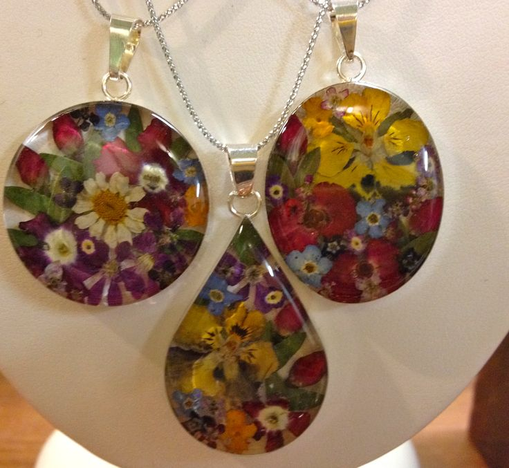 Made using real flowers in Mexico - beautiful pendants and stunning earrings.  So gorgeous - feel the love people!