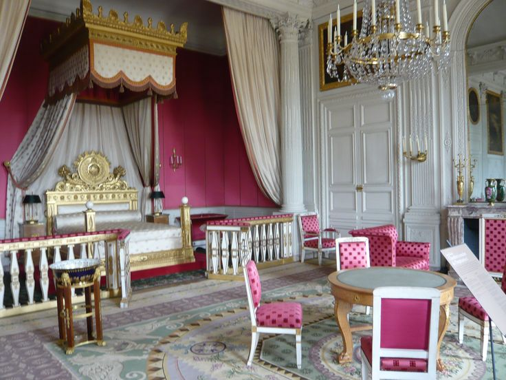 Palace of Versailles Marie Antoinette | many tourists make the trek from the over-the-top Palace of Versailles ...