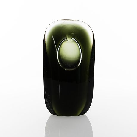 "TIMO SARPANEVA - Art glass sculpture ""Hiljaisuuden muoto"" (The Form of Silence) h. 22 cm for Iittala 1957, Finland. - Auctions for up to 15 000€ in 2018."