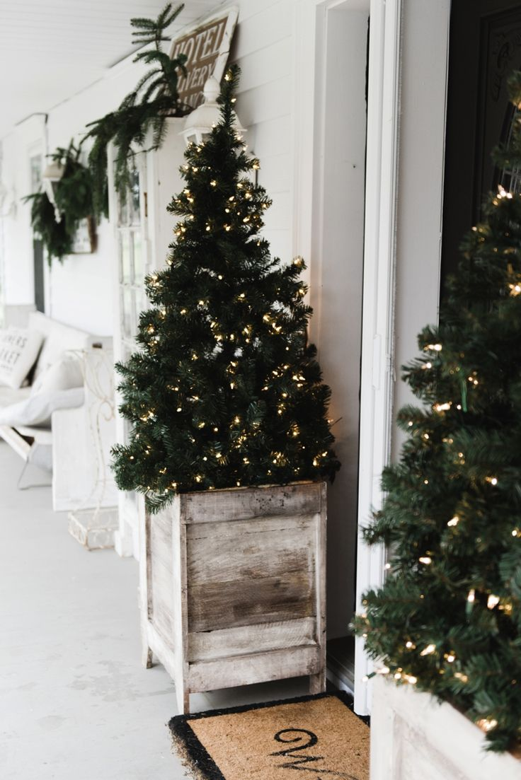 This must be the ultimate christmas yard decoration - Diy Farmhouse Porch Planter Boxes