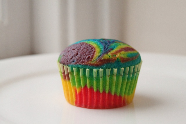 Rainbow Tie Dye Cupcakes | Can You Stay For Dinner?