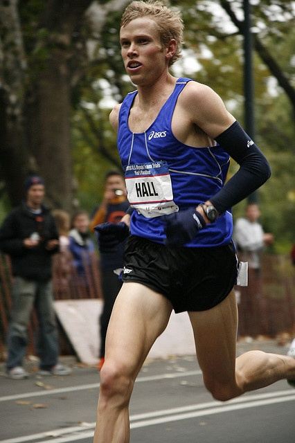 Ryan Hall winning the 2008 Olympic trials in Central Park.