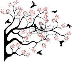 Silueta de árbol hermoso, con ave voladora
