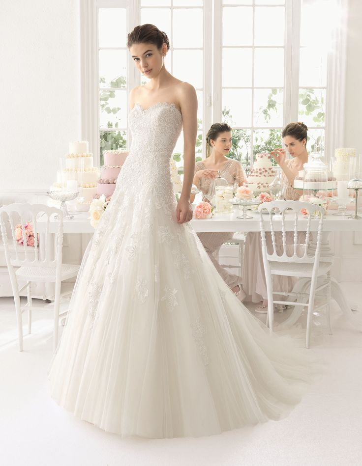 Aire Barcelona - Azac esküvői ruha http://mobile.lamariee.hu/menyasszonyi-ruha-kollekciok/eskuvoi-ruhak/aire-2015