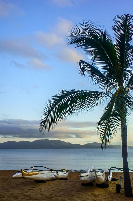 ˚Strand Beach in Townsville with a view of the Magnetic Island across Cleveland Bay