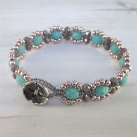 Macrame and Czech bead bracelet kit - Sea Green