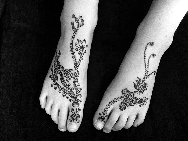A fake henna tattoo in the absence of real henna this