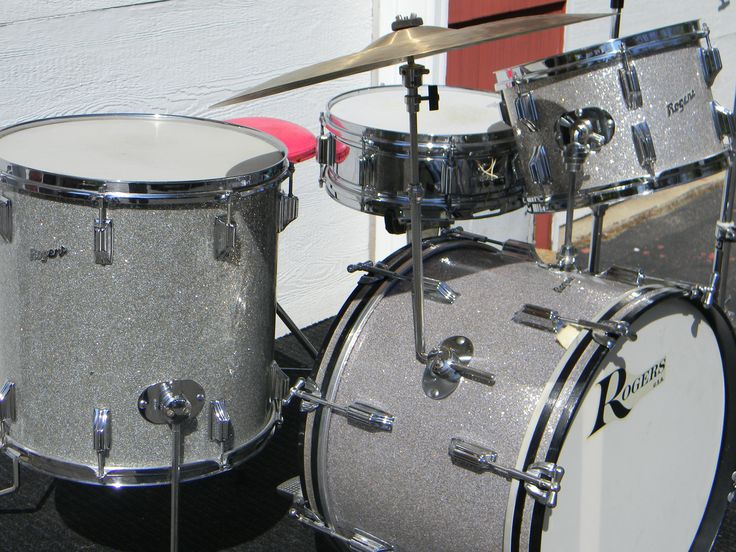 Rogers drum set after