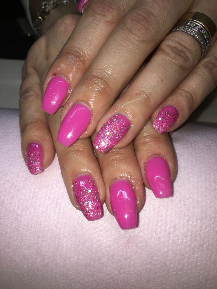 Rosa naglar med glitter!!!